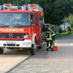 Parallel bereiteten die Feuerwehrleute alles vor.