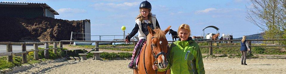 Kindergeburtstag feiern auf dem Ponyhof
